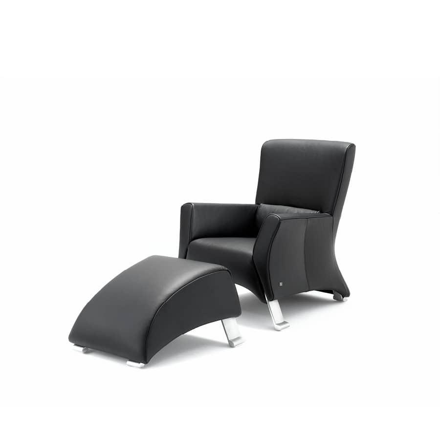 Rolf Benz fauteuil 322 hoog met poef