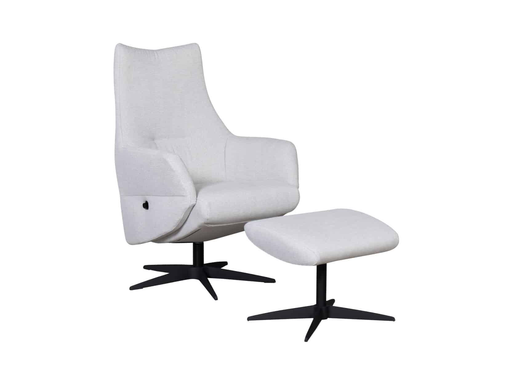 Movani fauteuil Fonko schuin met poef